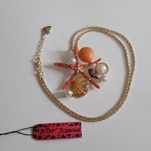Preowned Betsey Johnson Starfish necklace/pendent